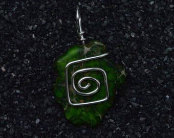 Wire wrapped green stone bead pendant