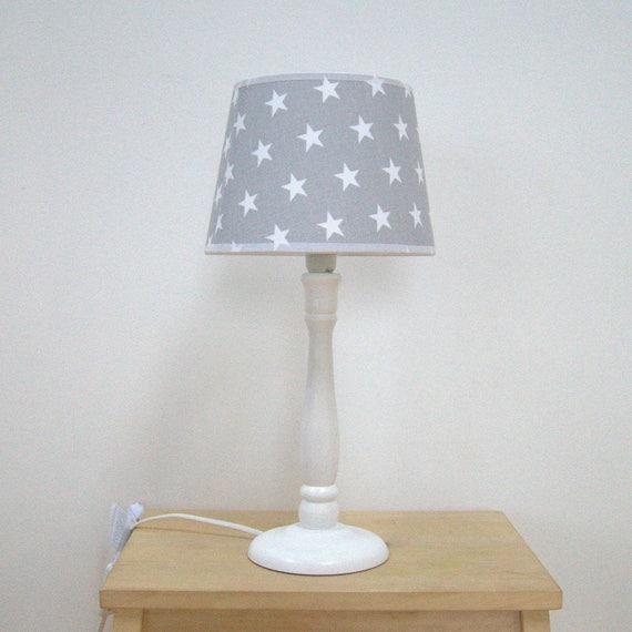 Lampe de chevet avec abat jour pour une chambre d 39 enfant Abat jour chambre enfant