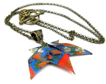 Origami necklace sweetgum