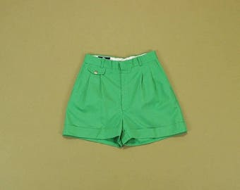 SALE 70s Pleated Shorts, High Waist Shorts, Kelly Green Shorts, Vintage 70s Shorts, Loose Cuffed Shorts, High Rise Shorts, Womens Shorts 26