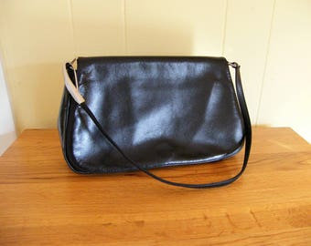Vintage Giani Bernini Black Leather Handbag-Like New Condition