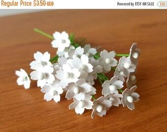 30% OFF 100 Miniature White Paper Flowers / 5mm white flowers /dollhouse flowers /white filler flower/paper flowers lot/paper flowers bulk w