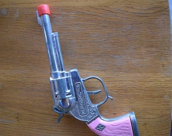 """Vintage Hubley Pink Toy Cap Gun For Girls Silver Die Cast Metal Chrome Pink Handle 8.5"""" Made in China"""