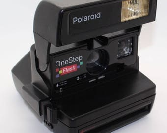 Polaroid OneStep Flash Close Up Instant Camera with box and manual - Uses Impossible Project, Very good condition & tested - Fab retro gift