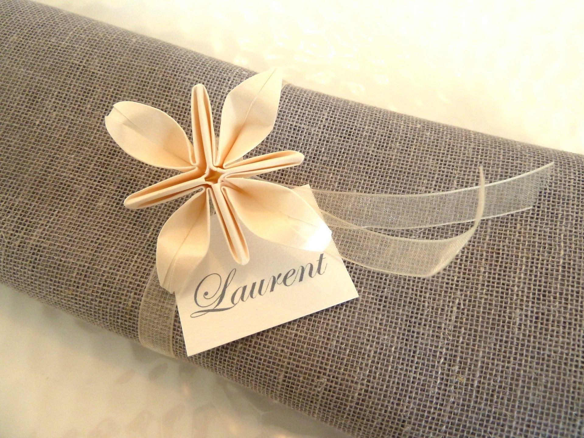 10 ronds de serviette marques place pour mariage en origami. Black Bedroom Furniture Sets. Home Design Ideas