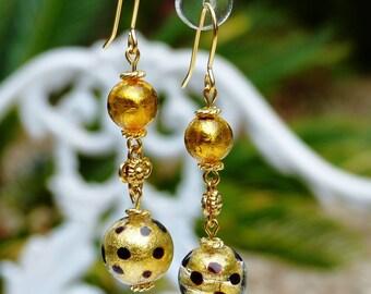 Dangling gold foil Venetian glass earrings