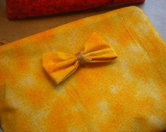 Lovely yellow case with bow