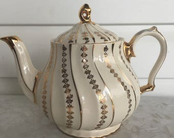 Sadler Teapot, gorgeous cream colour with gold vine design