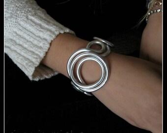 "ALUMINIUM line BRACELET ""circles""-aluminium-silver bracelet-jewelry-contemporary Bangle-made in Italy"