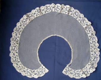 Mid Victorian cape collar,bobbin muslin appliqe lace edge.circa 1860