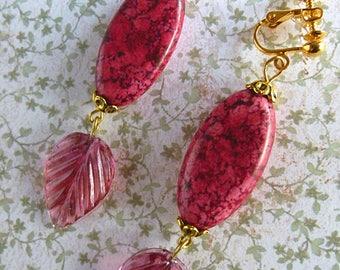 "Earrings / clips ""Camellia"", gold metal, gemstone Rhodonite, fuchsia pressed glass leaf bead"