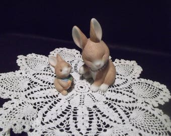 1990 Vintage Avon Collectible Set of 2 Ceramic Mama & Baby Cottontail Bunny Rabbit Figurines
