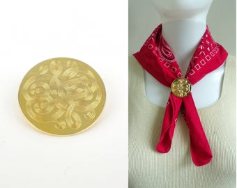 gold medallion scarf clip 60s baroque etched shield scarf clip gold tone metal scarf clip 1960s mad men minimalist costume jewelry jewellery