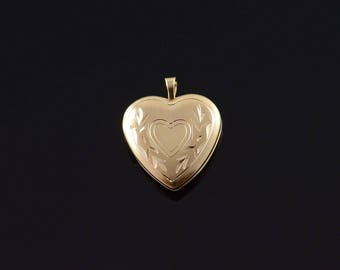 14k Engravable Heart Photo Locket Pendant Gold