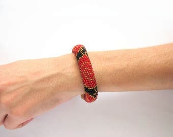 Red roses bracelet Bead rope bracelet Beaded Embroidery Rose bracelet Flowers Crochet bracelet Beaded bracelet  Valentine's day Gift