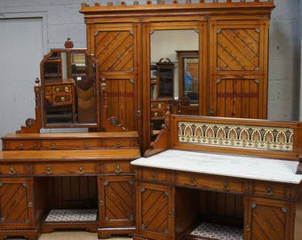 Vintage Arts & Crafts Bedroom Suite