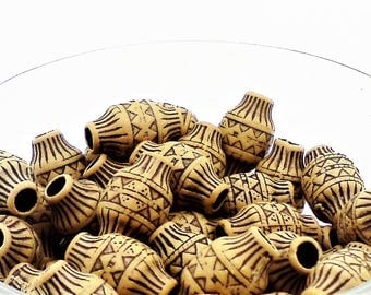 Carved acrylic beads; cool lantern shaped, carved acrylic beads, 18x12mm, 12pcs/3.20.