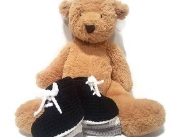 Crochet Baby Hockey Skates, Crochet Baby Skates, Newborn Baby Skates, Newborn Baby Booties, Crochet Infant Photo Prop, Baby Ice Skate Bootie