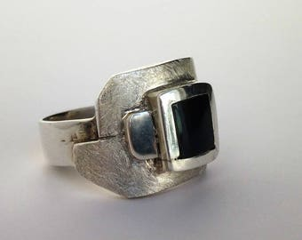Man silver and mother of Pearl, unique ring
