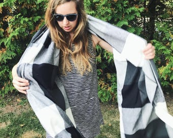 Sterling Blanket Scarf - Black and White