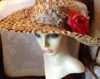 50's straw hat. Genuine vintage. Good condition.