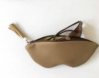 Brown sunglass case, vegan leather glasses holder, eco leather pouch, zipper women purse, eyeglasses case, women bag