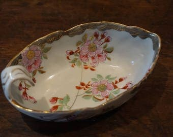 Beautiful Japanese Boat-shaped bowl/ Leaf Shaped Bowl/ Cherry Blossom/ Gold/ Hand Painted Porcelain