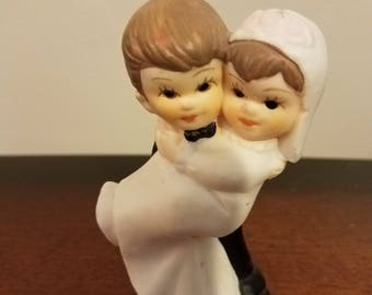 Vintage 1940s wedding cake topper **FREE SHIP** bride and groom retro love wedding accessories wedding items vintage wedding