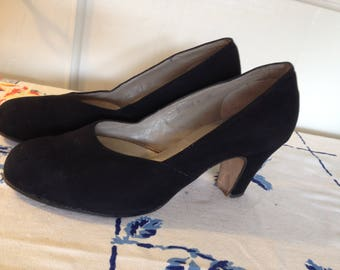 True Vintage 40s/50s Black Suede Heels Pumps EU 36,5-37/UK 3,5/US 6 A narrow