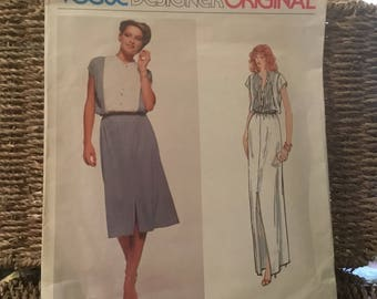 Vintage out of print 1970s - Vogue Designer Original pattern Belinda Belleville- size 8 misses dress in two lengths.