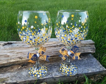 WVU Mountaineers inspired blue gold confetti wine glass set, WVU blue and gold dots wine glass set,  WVU polka dot wine glass set