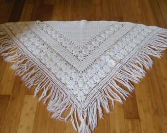 Shawl has fringes, vintage 70's wool and acrylic white handmade crochet fringe shawl vintage70's, boho style. slow life kinfolk.