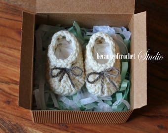 """Sale! Newborn baby booties (without box). Baby crochet slippers. Foot length 3"""". Baby Gender Reveal. Pregnancy Announcement. Ready to ship."""