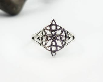 Celtic Ring~Silver Celtic Star Ring~Celtic North Star Ring~Celtic Four Point Star Ring~Infinity Knot Ring~Celtic Woven Ring~Viking Jewelry