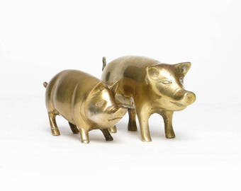 two little vintage brass pigs hogs home decor animal figurines