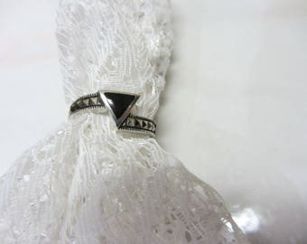 Art Deco 925 Sterling, Marcasite and Onyx Ring Size 6-3/4