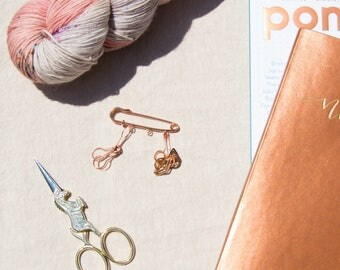 Knitting Notions- Rose Gold Plated Knitting Stitch Marker Combo Set (Copper, Rose Gold, Snagless Removable Ring Stitch Markers for Knitters)