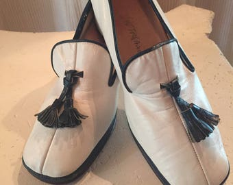 1960's Leather Navy Blue and White Pumps with Tassel - Size 5