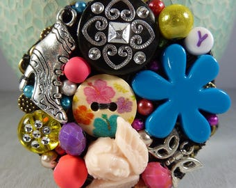 Colorful charms brooch / / multicolor