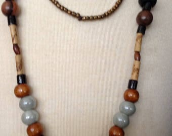 Wood bohemian necklace, flower and shell