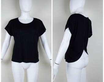 Vintage Womens 1990s Black Short Sleeve Delias Tee Shirt with Partially Open Back | Size: Free (S-S/M-M)