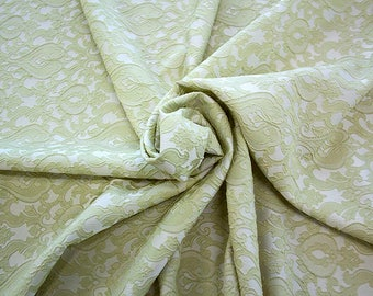 990071-083 Brocade-95% PL, 5% PA, width 130 cm, made in Italy, dry cleaning, weight 205 gr