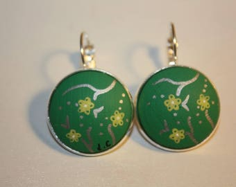 Earrings 'Laurette' green flower