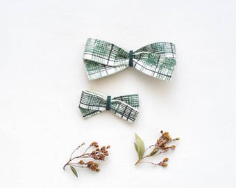 Plaid Bow Baby Hair Bow Crocodile Clip or Nylon Headband, Rustic bow, Christmas Bow Adult Bow, Baby Bow, Soft Nylon Bow, Newborn Bow