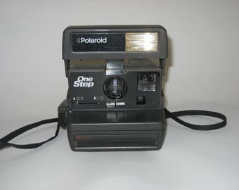 Vintage Polaroid Instant Camera-Fully Tested with Film! One Step 600