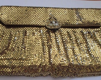 Vintage Whiting and Davis Gold mesh evening / clutch bag