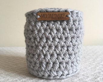 Small Light Grey Crochet Basket // Desk Organiser // Storage Solution // Home Accessory