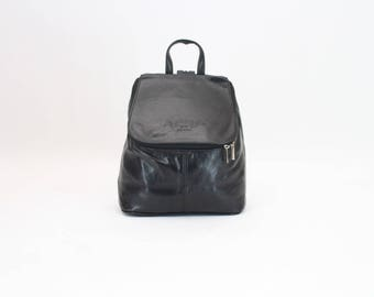 90s • Vintage • Backpack • Black Leather • Rucksack • Bag • 90s vintage Black Bag • Black Rucksack • Black Backpack • Black Bag • Mod