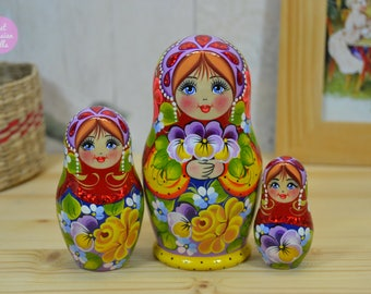 Hand made matryoshka, Gift for friend, Wooden nesting doll, Cute gift for woman, Traditional russian handicraft, Art dolls, Painting on wood