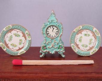 Hand-Painted Dollhouse Miniature Clock & Plates Set - Pale Green